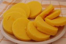 Jednoduchý knedlík z kukuřičné krupice (polenty)
