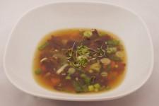 Miso polévka s řasou Wakame