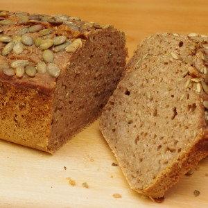 V chlebu se schovávají 2 hrnky uvařené rýže