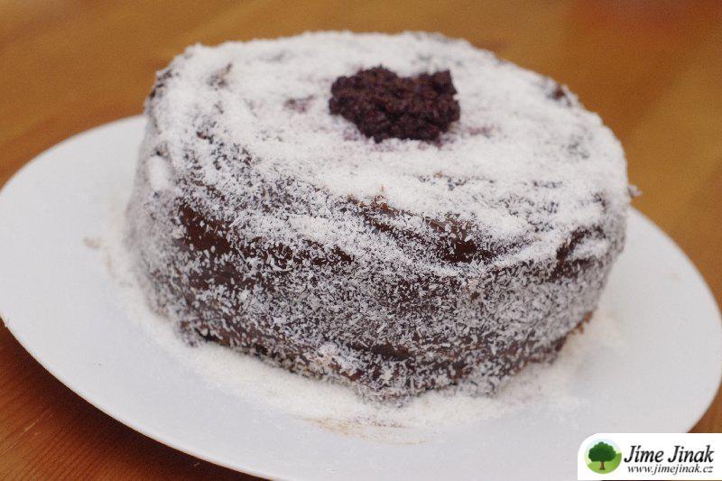 zasněžený dort celý
