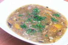 Houbová polévka ala bramboračka