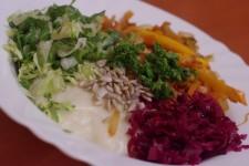Bramborová kaše z jahel a rýže a restovaná zelenina s paprikou