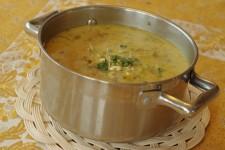 Smetanová polévka s pohankou, batátem, mrkví, květákem a kapustou