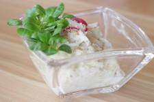 Salát z daikonu, okurky a kysaného zelí
