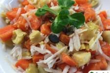 Salát z vařené zeleniny s arašídovou zálivkou