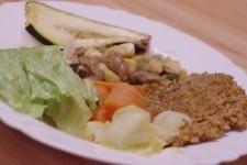 Rýžová placka, žampiony s polentou a zeleninou, pečená cuketa a nishnime