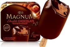 Pět éček v nanuku Magnum Double chocolate