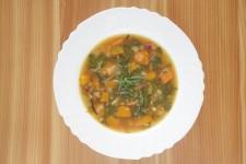 Podzimní bylinková polévka s mungo fazolemi