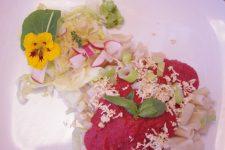 Rýžové těstoviny s červenou omáčkou à la kečup