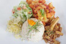 Rýže se slunečnicí,  sladké zeleninové soté s tofu