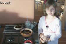 Markétka dělá svačinu – napařená jablka