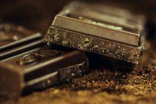Vy, cola a čokoláda