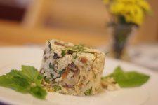 Bulgur s tofu, medvědím česnekem a bršlicí