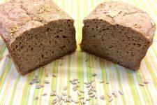 Celozrnný pšenično – žitný chléb se semínky