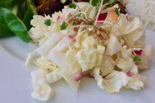 Salátek z čínského zelí a ředkviček