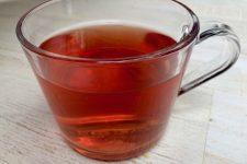 Domácí čaj ze šípků a jeřabin