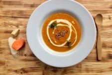 Pečená zeleninová polévka